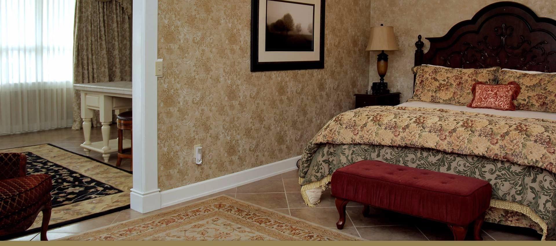 Victorian Village Inn Anna's Suite bedroom