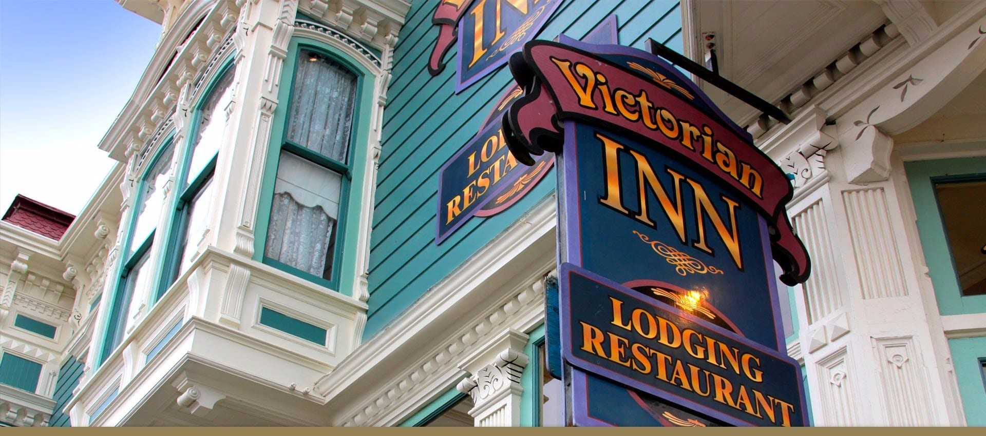Victorian Inn historical exterior and sign