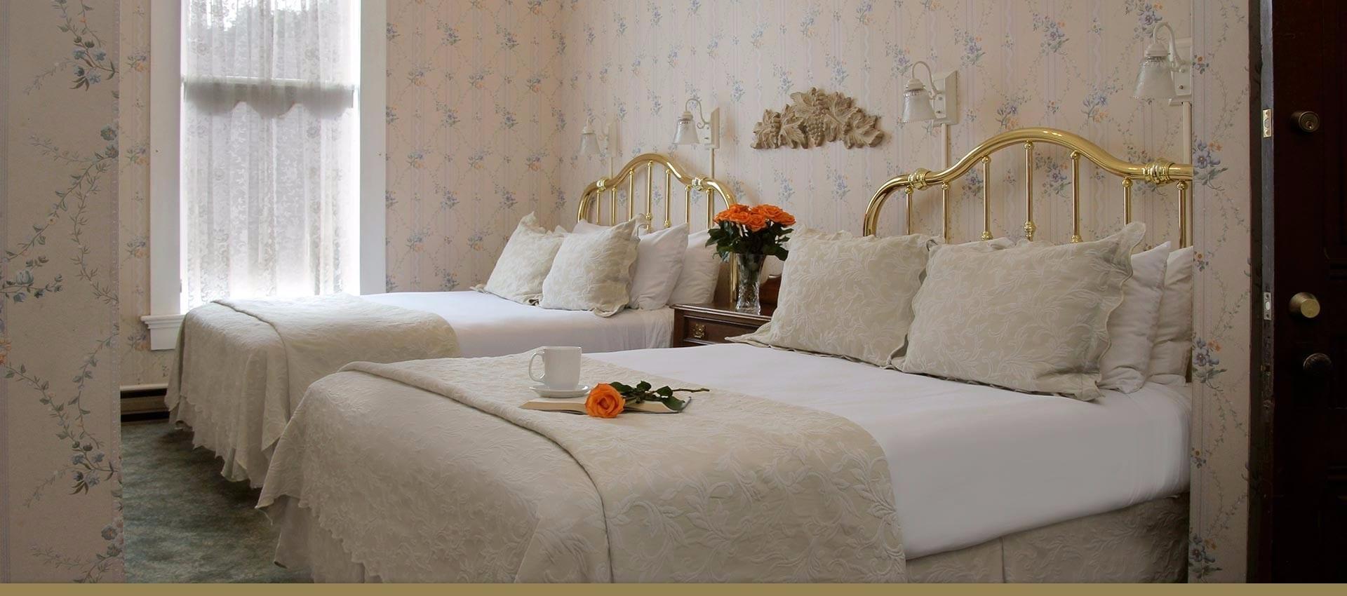 Victorian Inn Maren's Suite two queen beds